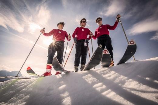 L' Alta Badia chiude la stagione invernale con un party vintage sugli sci