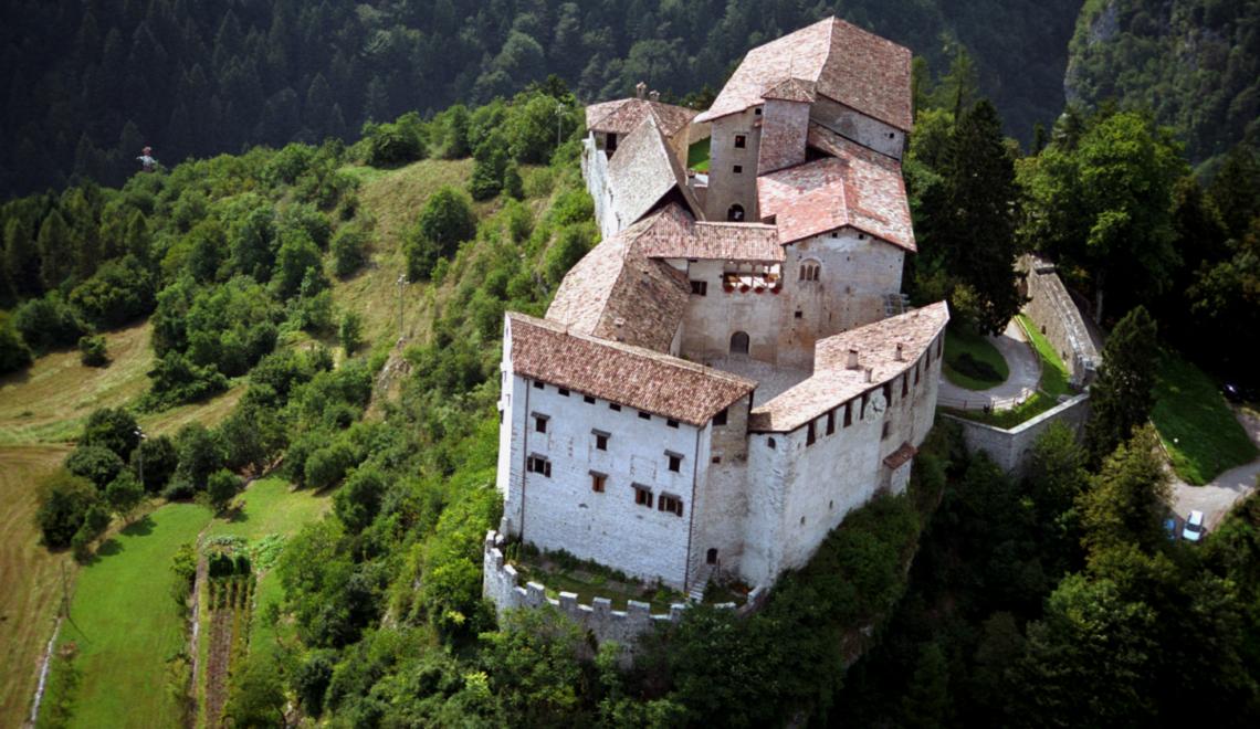 CASTELLANDO, tour guidato tra i castelli della valle di Comano