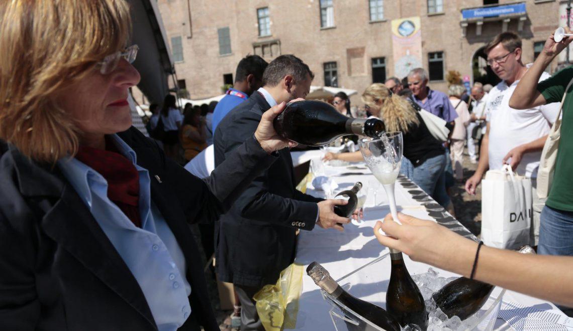 Festivaletteratura di Mantova brinda con Spumante Garda Doc